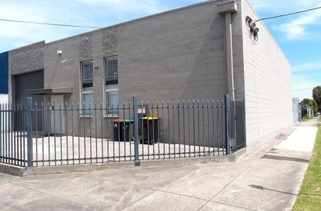 24 Claredale Road, DANDENONG VIC, 3175