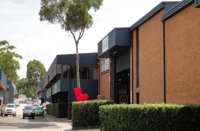 Unit 8, 9-13 Winbourne Rd, BROOKVALE NSW, 2100