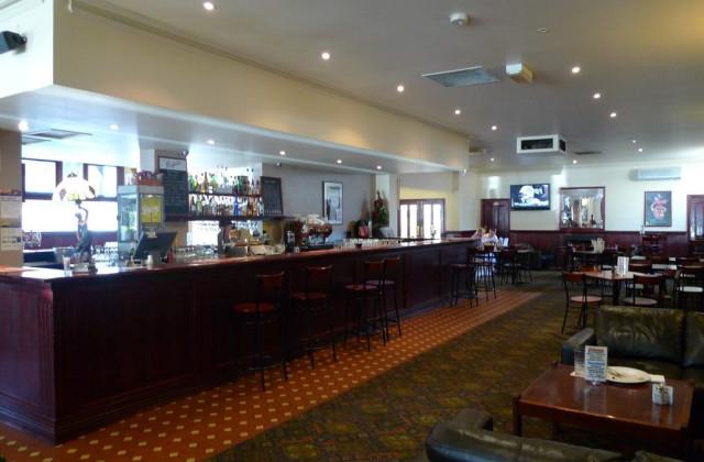 Albion Hotel, Port Melbourne  146 Evans Street, PORT MELBOURNE VIC, 3207