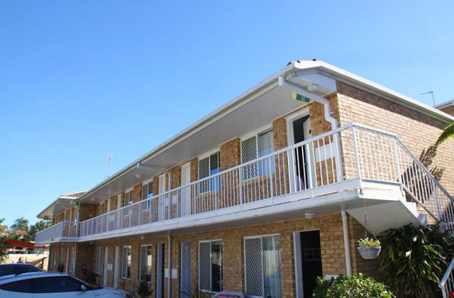LABRADOR QLD, 4215