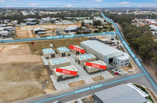 Shed 4, 4 Schoder Street, STRATHDALE VIC, 3550