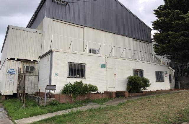 1/16 Orangegrove Avenue, UNANDERRA NSW, 2526