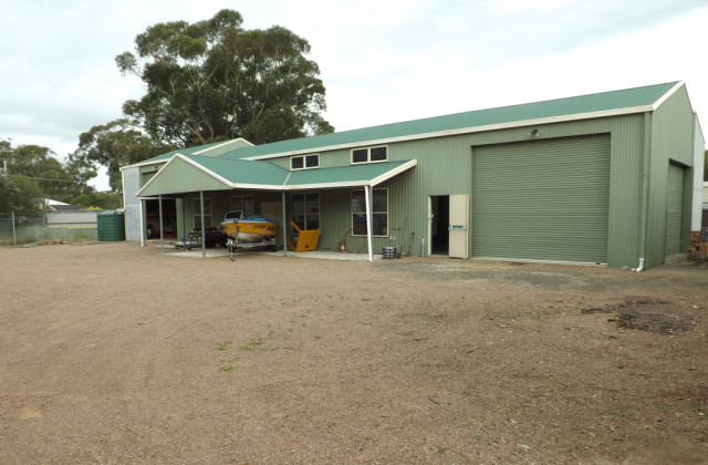 Shed B, 12 Industrial Drive, LEMON TREE PASSAGE NSW, 2319