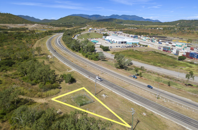 37580 Bruce Highway, STUART QLD, 4811