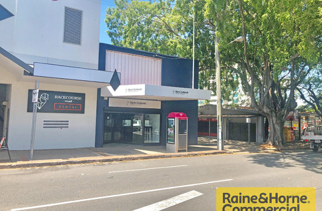 15 Racecourse Road, HAMILTON QLD, 4007