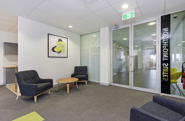 Level 2/Serviced S/366 Griffith Road, LAVINGTON NSW, 2641