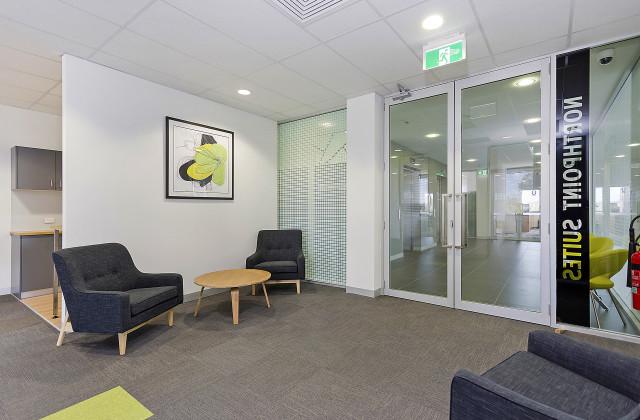 Level 2/Serviced S/366 Griffith Road, LAVINGTON NSW, 2641