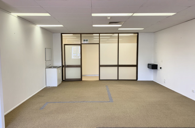 Suite 2/126 Scarborough Street, SOUTHPORT QLD, 4215