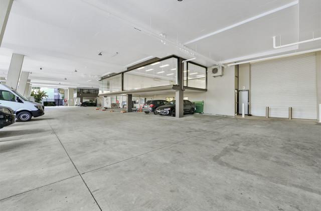 8 Jubilee Avenue, WARRIEWOOD NSW, 2102