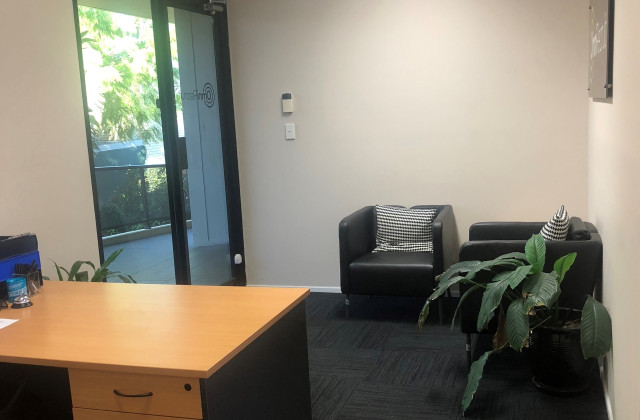 2 Collene Grove, SPRINGWOOD QLD, 4127