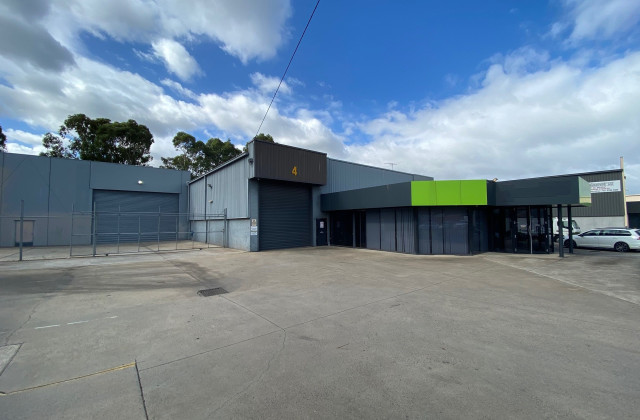 4 Commercial Drive, DANDENONG VIC, 3175