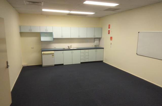 3 Jacaranda Street, EAST IPSWICH QLD, 4305
