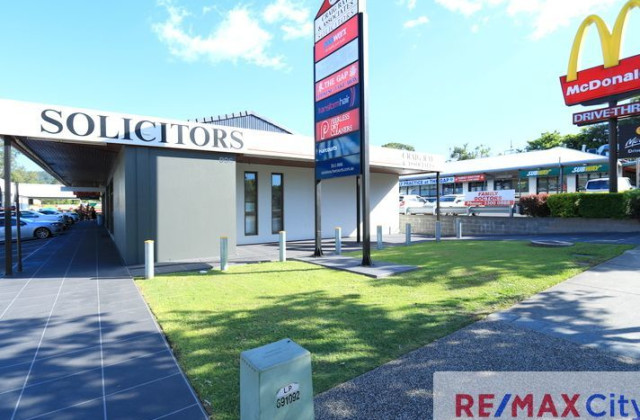 996 Waterworks Road, THE GAP QLD, 4061