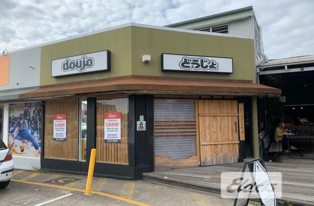 360 Logan Road, GREENSLOPES QLD, 4120