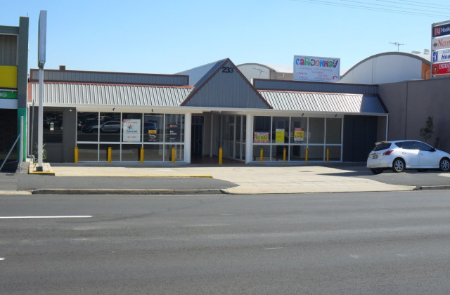 Shop 2A/233 Musgrave Street, BERSERKER QLD, 4701