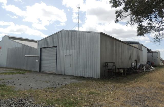 2/4 Cooks Road, WOONGOOLBA QLD, 4207