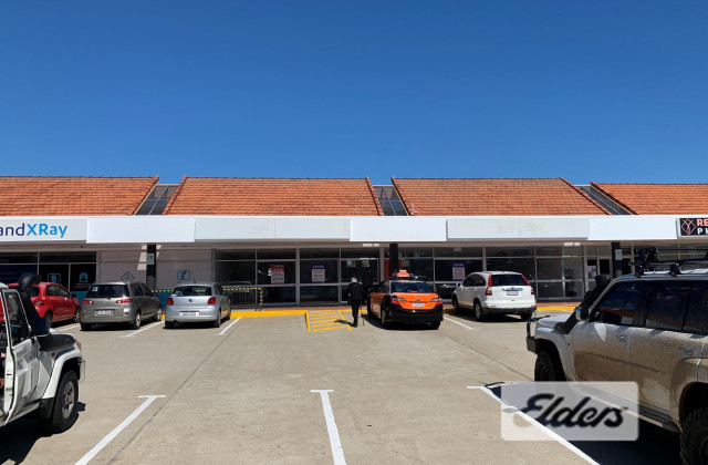 589 Logan Road, GREENSLOPES QLD, 4120