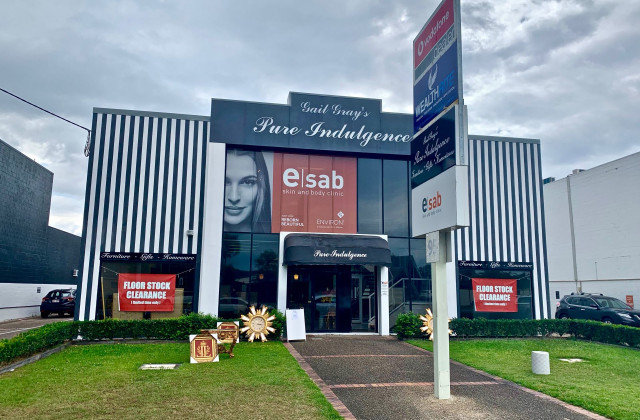 Shop 1B/95 Ashmore Road, BUNDALL QLD, 4217