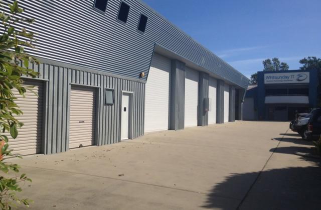 2/5 Carlo Drive, CANNONVALE QLD, 4802