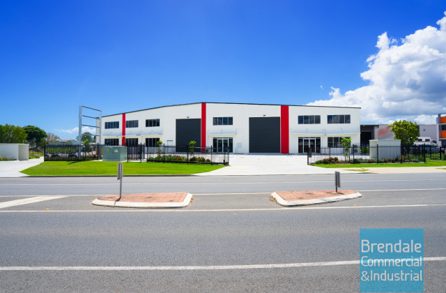 Unit 1-3/225 Leitchs Rd, BRENDALE QLD, 4500