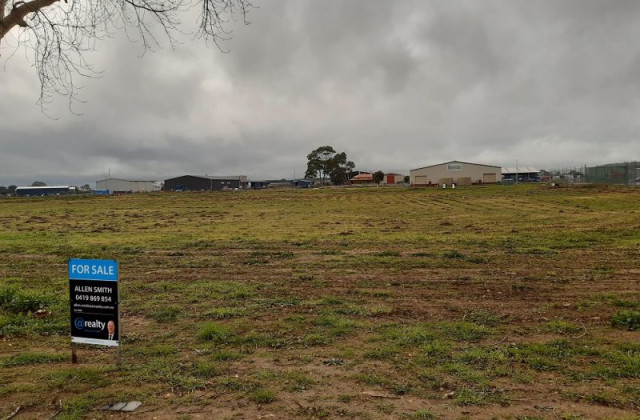 LOT 211 FRASER COURT, MOUNT GAMBIER SA, 5290