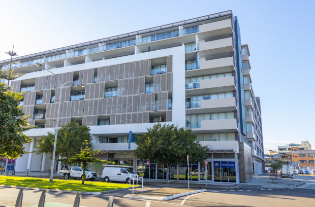 Suite 3, 2-4 Honeysuckle Drive, NEWCASTLE NSW, 2300