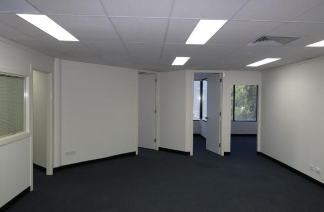 109 Upton Street, BUNDALL QLD, 4217