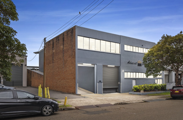 4 Powells Road, BROOKVALE NSW, 2100