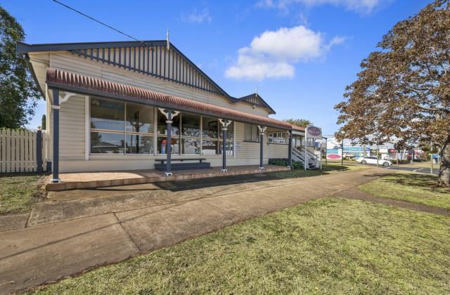 2/417 Bridge Street, WILSONTON QLD, 4350